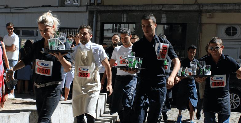Read more about the article La course des garçons de café